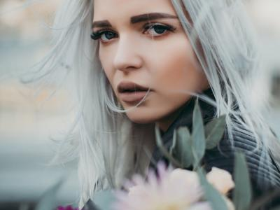 grey hair beauty